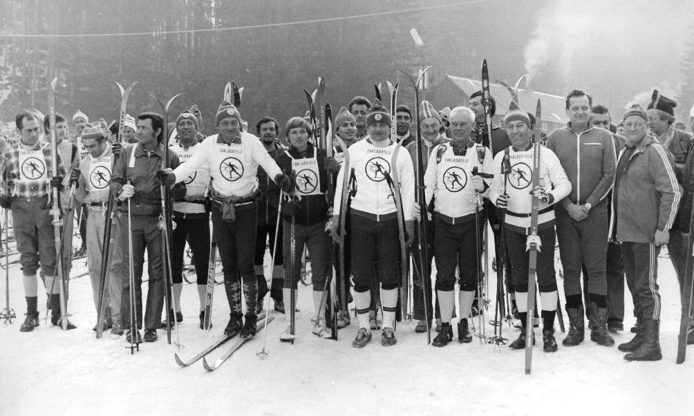 lyžaři krkonoše